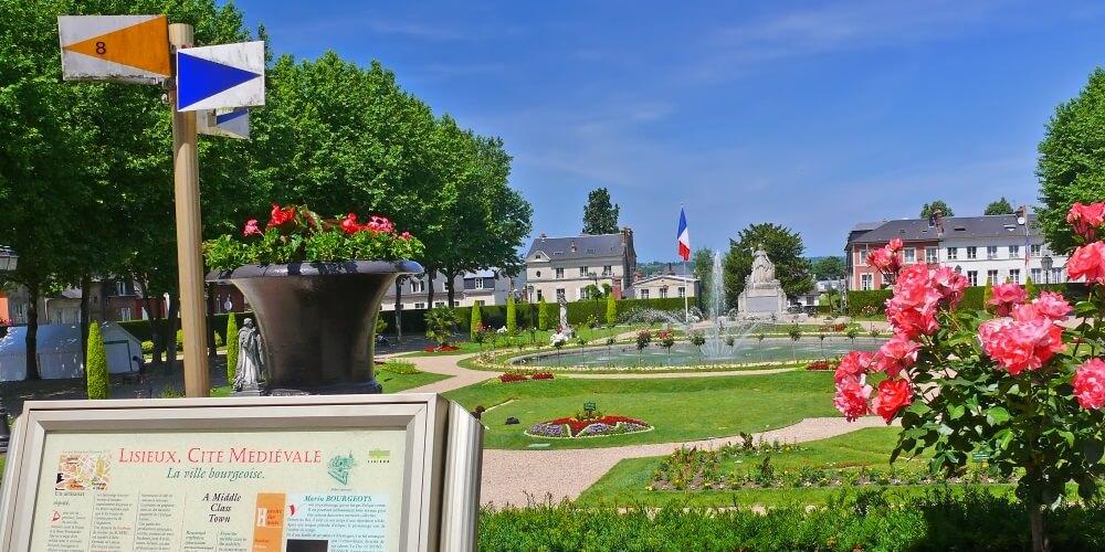 Jardin de l'Évêché à Lisieux - CALVADOS-TOURISME-LIBRE